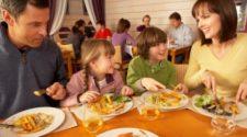 I bambini educati al ristorante
